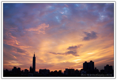 傍晚的火燒雲,crimson clouds at sunset.by GRD