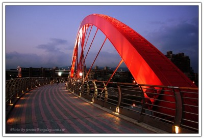 台北彩虹橋橋上